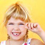 Caduta dei denti da latte: ecco tutto ciò che devi sapere